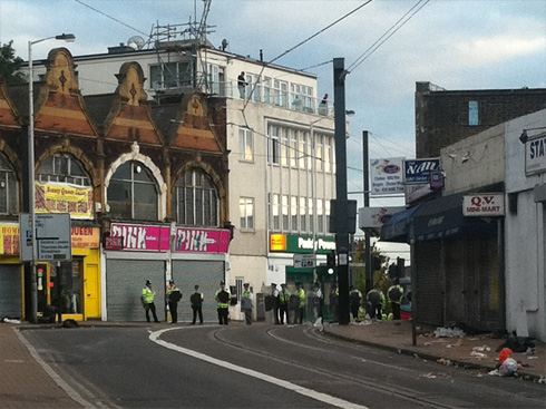 West Croydon Riot Police line